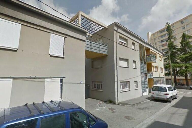 location parking André Liégois - Rochefort