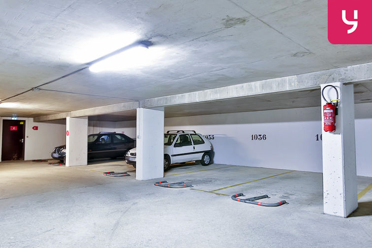 Parking Rosa Parks - rue de l'Ourcq - Paris (place moto) box