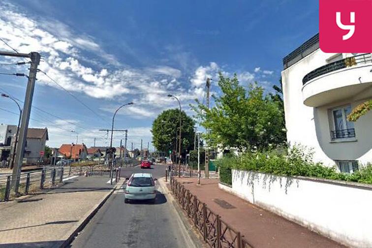 location parking Gare Lycée Henri Sellier - Livry-Gargan