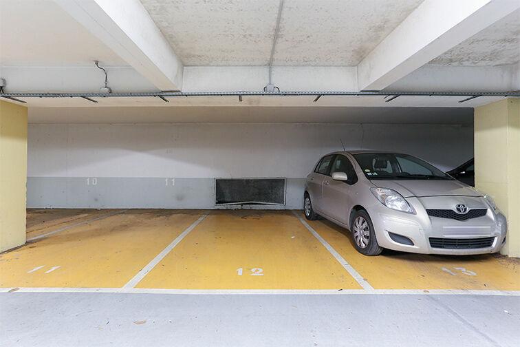 Parking Arrêt La Ferme - avenue Jean Jaurès - Bobigny pas cher