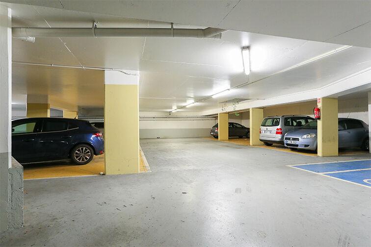 Parking Arrêt La Ferme - avenue Jean Jaurès - Bobigny 93000