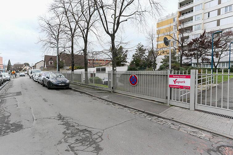 Parking Arrêt La Ferme - avenue Jean Jaurès - Bobigny box