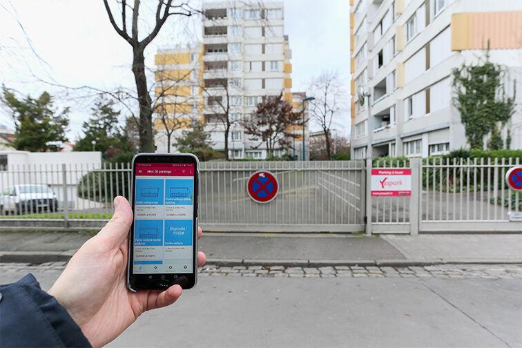 location parking Arrêt La Ferme - avenue Jean Jaurès - Bobigny
