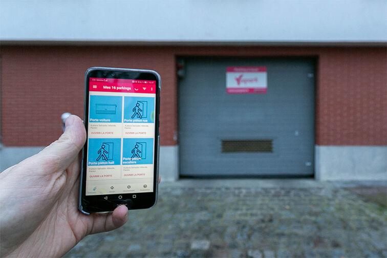 Entrez dans le parking avec votre smartphone