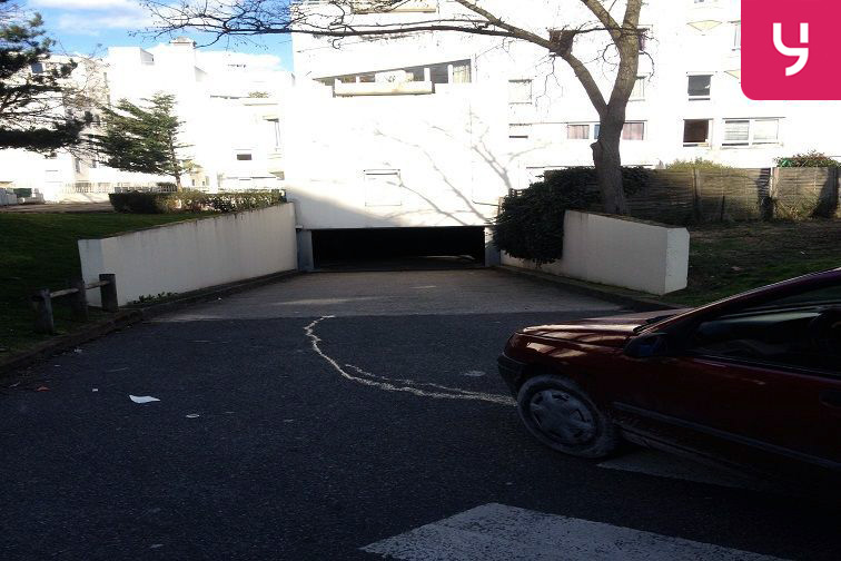 location parking Henri Barbusse - Pantin