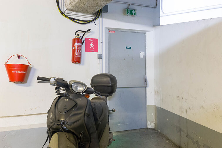 Parking Charonne gardien