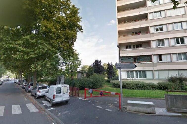 location parking Jacques Prévert