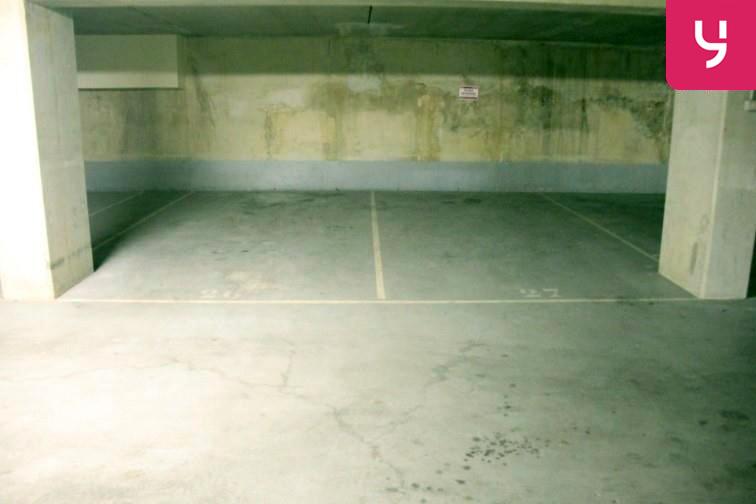 Parking François Mitterrand garage
