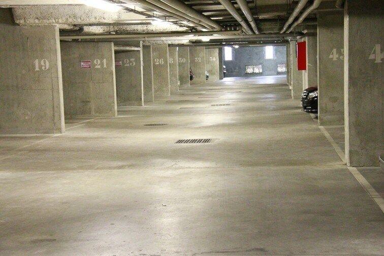 Parking Pont du Garigliano - Hôpital Georges Pompidou garage
