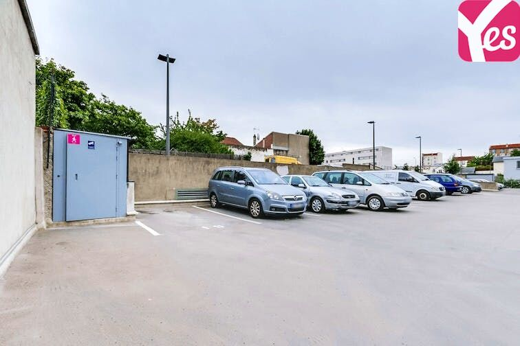 Parking Le Village - Gennevilliers caméra