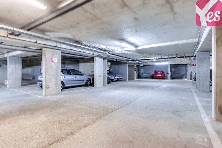 Parking Bibliothèque du Chesnay avis