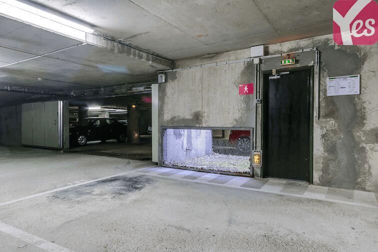 Parking Bibliothèque du Chesnay en location