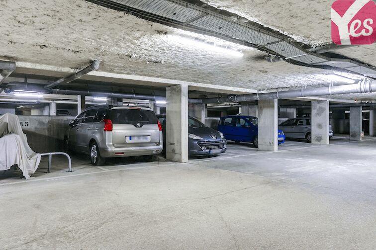 Parking Bibliothèque du Chesnay garage