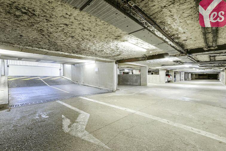 Parking Bibliothèque du Chesnay gardien