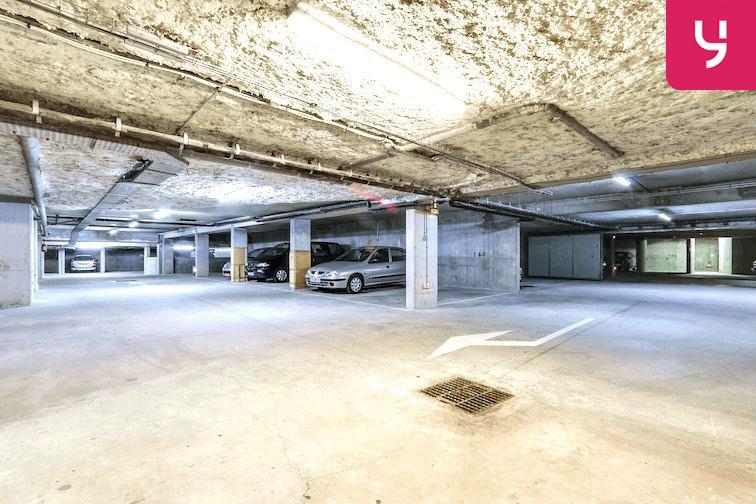 Parking Bibliothèque du Chesnay sécurisé