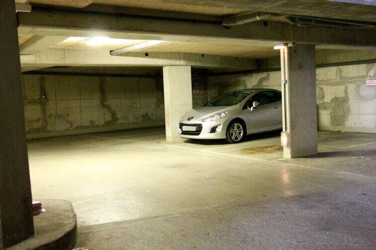Parking La Chapelle pas cher