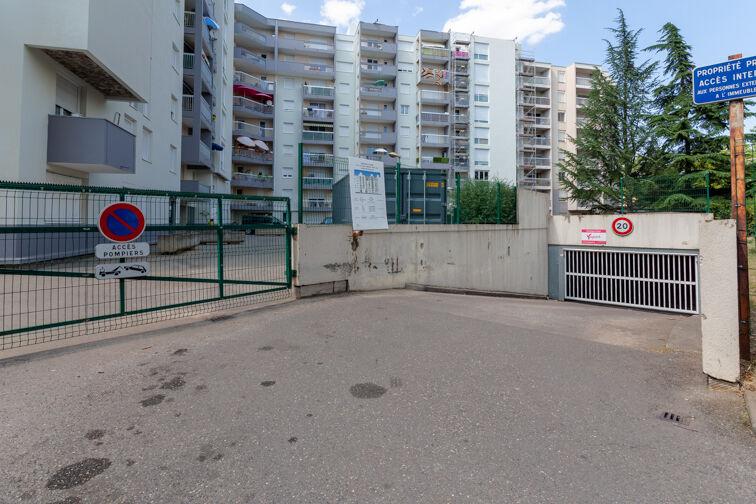 Parking Cimetière de la Guillotière Ancien - Lyon 7 pas cher