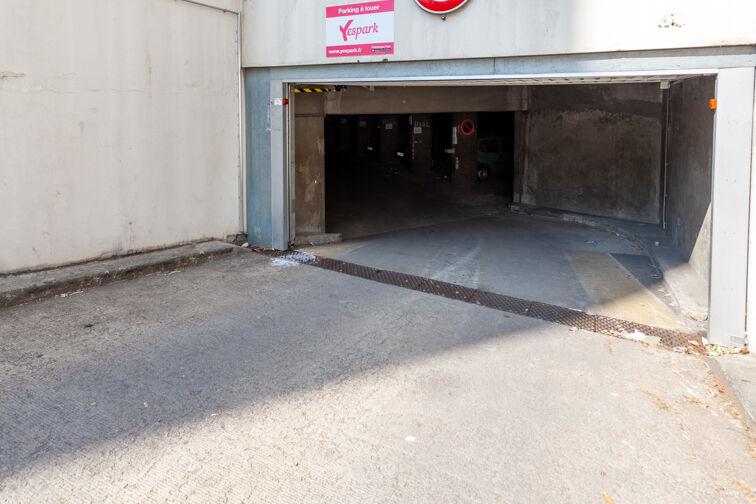 Parking Cimetière de la Guillotière Ancien - Lyon 7 à louer