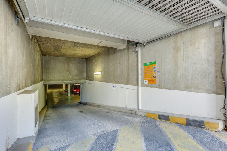 Parking Roger Salengro - Villeurbanne en location