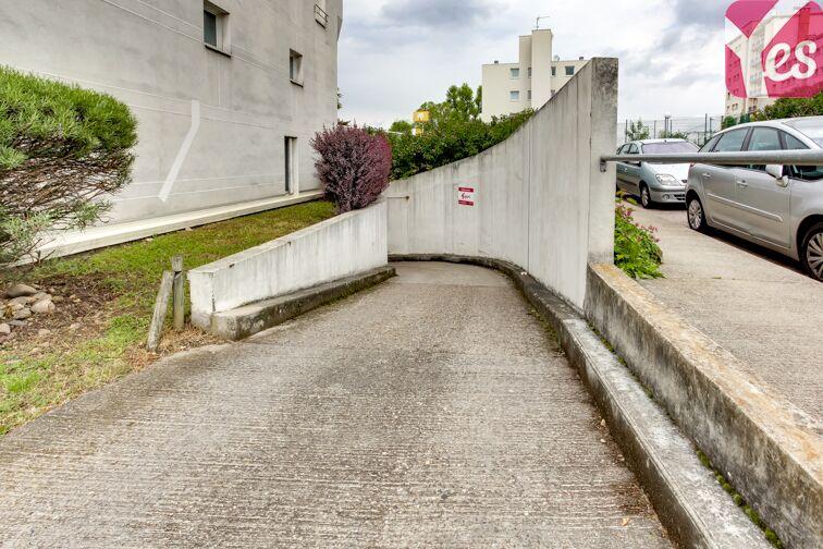 Parking Parc des Hautefeuilles - Tassin-la-Demi-Lune avis