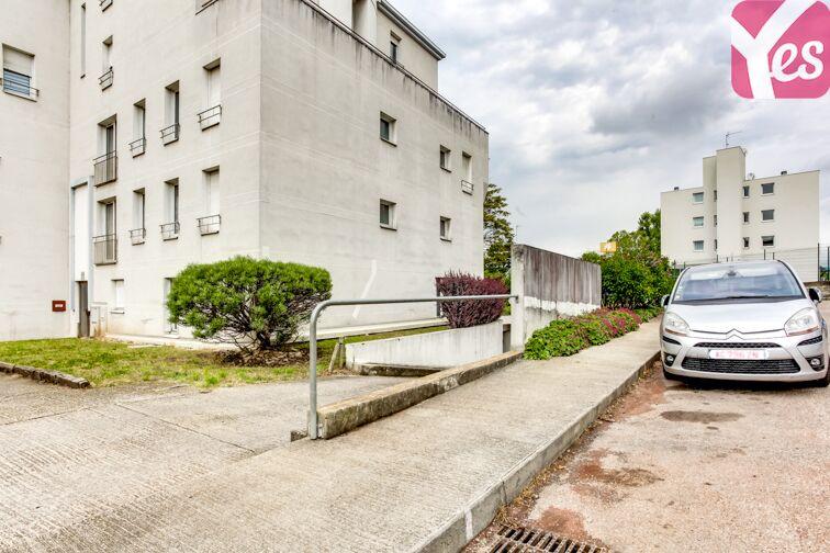 Parking Parc des Hautefeuilles - Tassin-la-Demi-Lune location