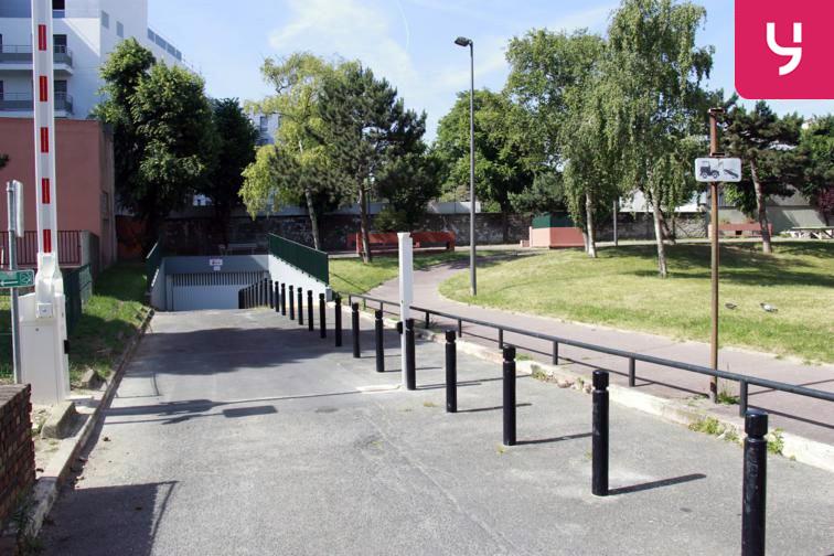 Parking Carrefour Pleyel caméra