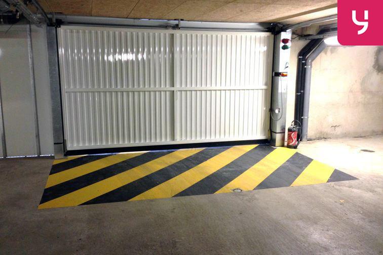 Parking Carrefour Pleyel - Saint-Denis gardien