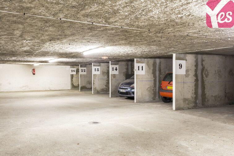 Parking Place Ronde 200 route de Genas