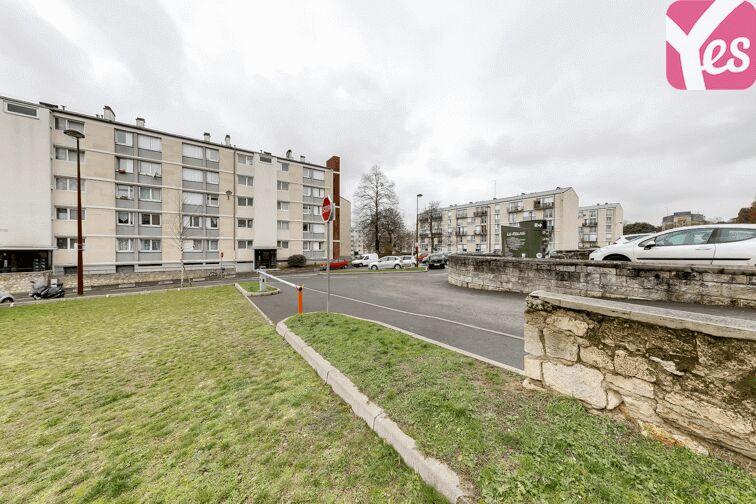 Parking UFR des Sciences - Versailles pas cher