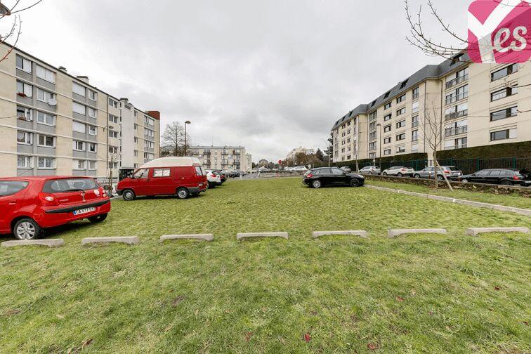 Parking UFR des Sciences - Versailles à louer