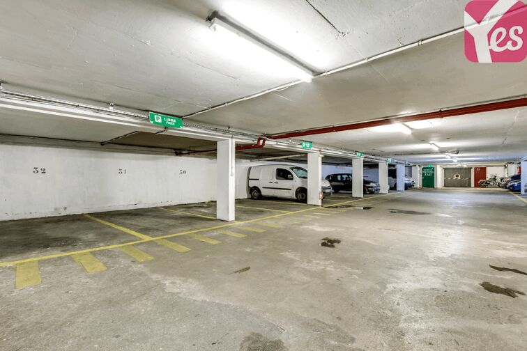 Des places larges au parking 35 rue Olivier Métra
