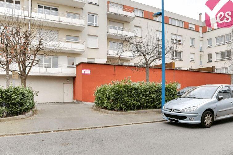 Entrée du parking 17 rue du Commerce à Sotteville-lès-Rouen