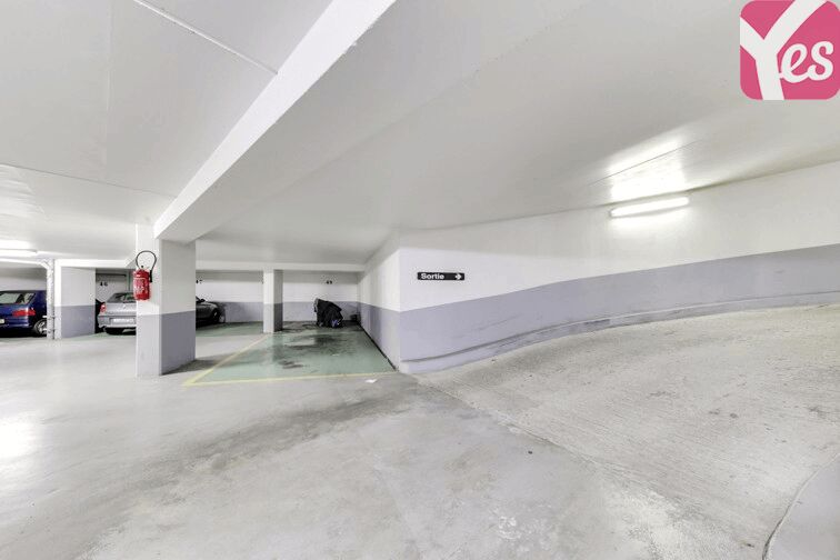 Parking Le Kremlin-Bicêtre Metro garage