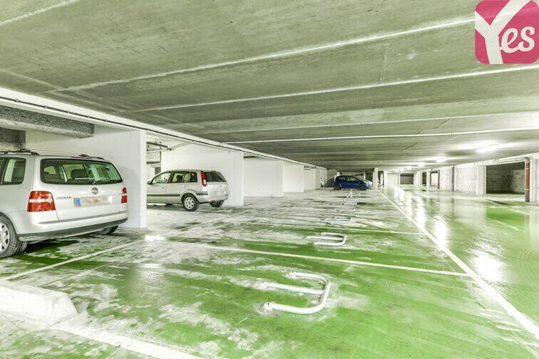 Parking Clos de l'Érable - Saint-Thibault-des-Vignes garage