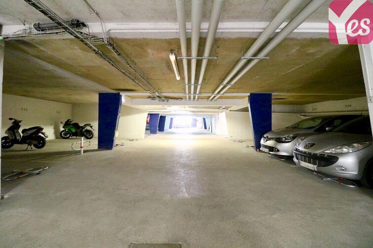 Parking Centre Hospitalier Marc Jacquet - Melun 24/24 7/7