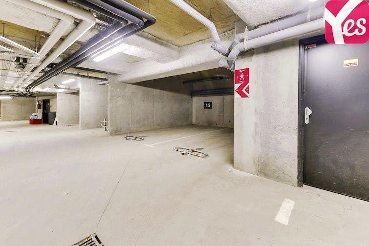 Parking Centre Équestre Claye-Souilly garage