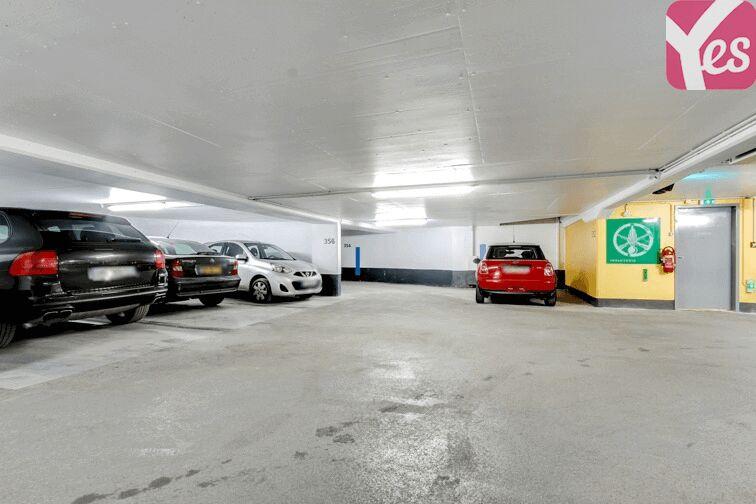 Parking Champ de Mars sécurisé