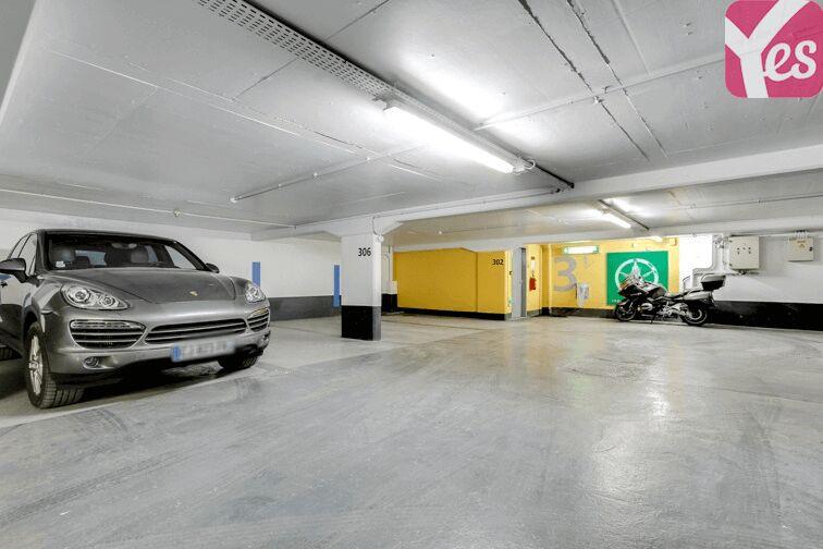 Parking Champ de Mars location