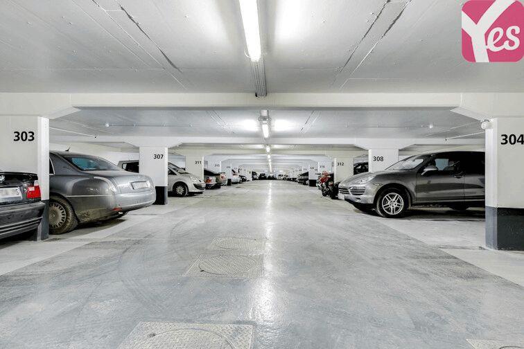 Parking Champ de Mars à louer