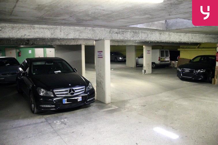 Parking Saint-Ouen - RER 93400