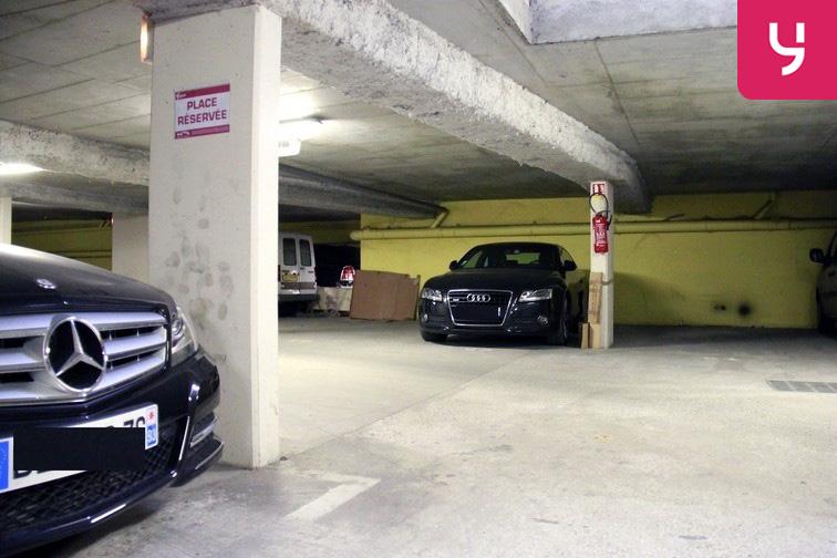 Parking Saint-Ouen - RER sécurisé