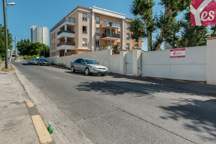 Parking La Pomme 13011