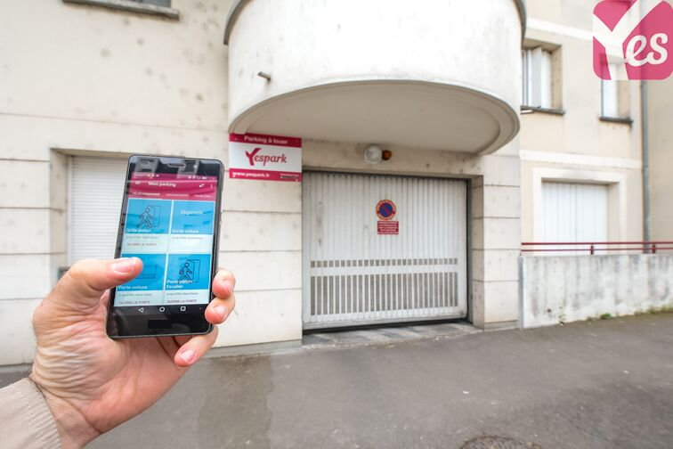 location parking Croix Saint-Marceau