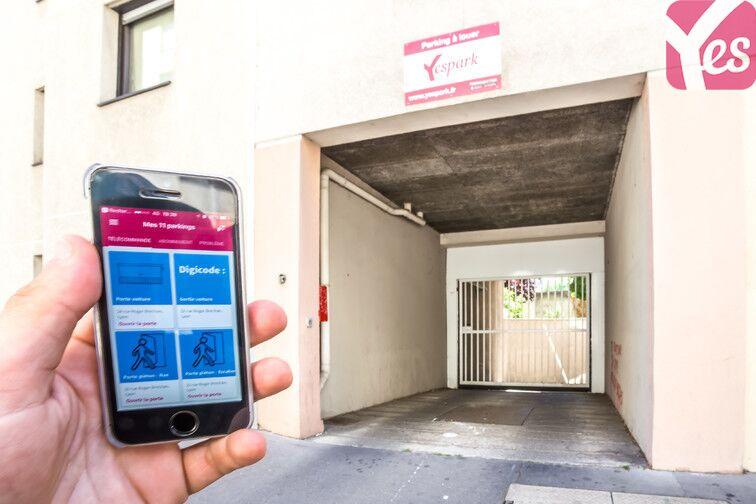 Ouvrez votre garage avec l'application Yespark