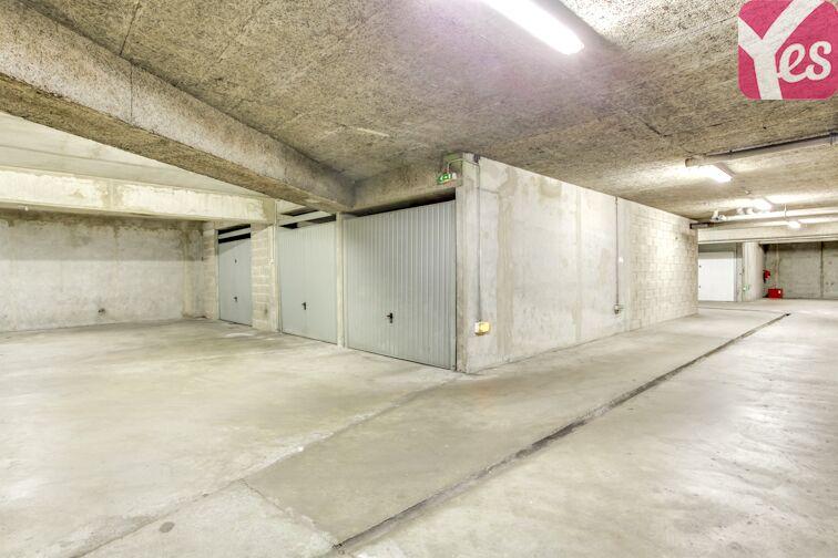 Parking Métro Sans Souci garage