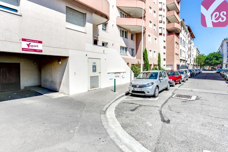 Parking Métro Sans Souci en location