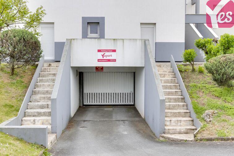 Parking Stade François Le Parco garage