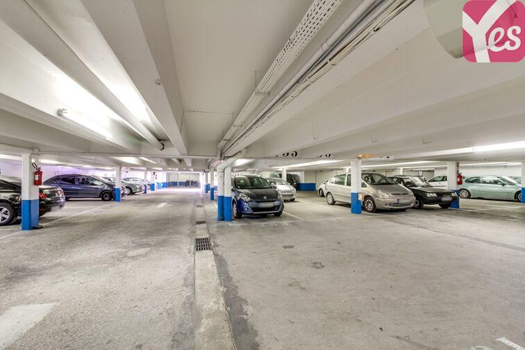 Parking Stade de Colombes garage