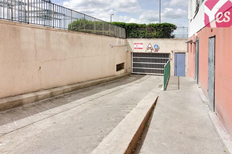 L'entrée du parking est située 22 avenue Audra