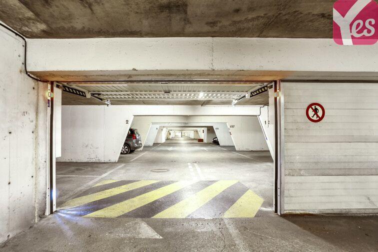 Parking Porte de Saint-Ouen - Emile Zola location